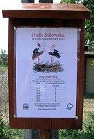 We wsi pod każdym gniazdem znalazła się tabliczka informująca o efektach lęgu zamieszkującej je bocianiej pary